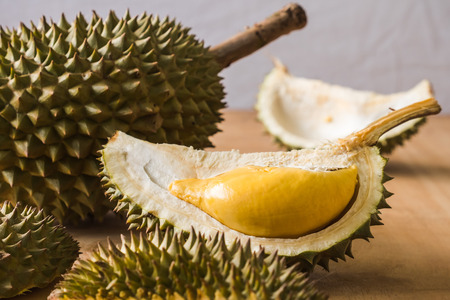 Photo pour King of Fruits, Durian is a popular tropical fruit in asian countries. - image libre de droit