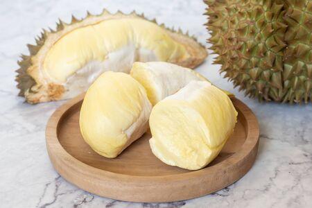 Photo pour King of Fruits, Durian is a popular tropical fruit in Thailand. - image libre de droit