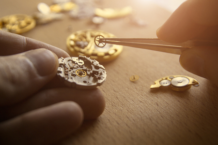Foto de The process of repair of mechanical watches - Imagen libre de derechos