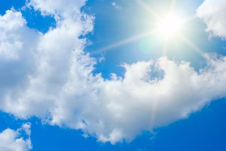 Photo pour Sun rays against a blue summer sky - image libre de droit