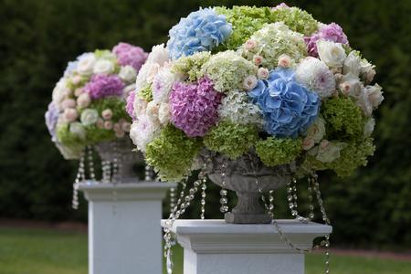 Foto de Beautiful wedding set up. Wedding ceremony - Imagen libre de derechos