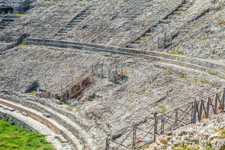 Photo pour Amphitheatre of Durres - image libre de droit