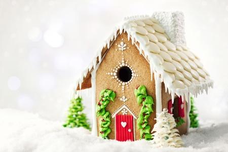 Photo pour Gingerbread house  - image libre de droit