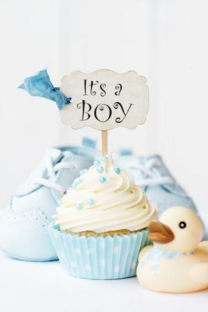 Photo pour Baby shower cupcake - image libre de droit
