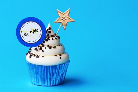 Photo pour Cupcake for Fathers day - image libre de droit