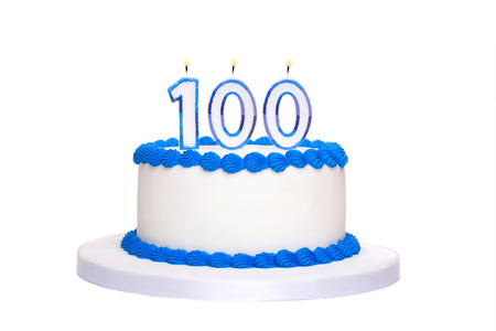 Photo pour Birthday cake with candles reading 100 - image libre de droit