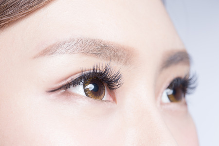 Photo pour Beautiful woman eye with long eyelashes. asian model - image libre de droit