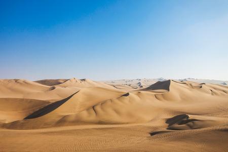 Foto de Huacachina desert dunes in Ica Region, Peru - Imagen libre de derechos