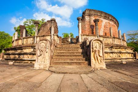 Foto de Polonnaruwa Vatadage is ancient structure dating back to the Polonnaruwa Kingdom of Sri Lanka. - Imagen libre de derechos
