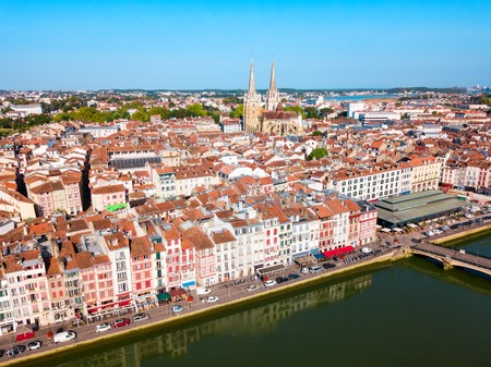 Photo pour Bayonne aerial panoramic view. Bayonne is a city and commune in south-western France. - image libre de droit