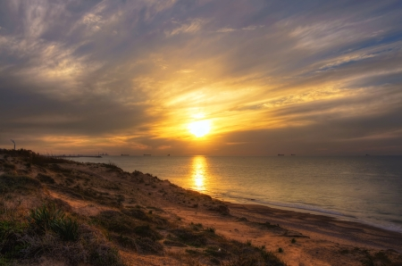 post-war situation in Ashkelon  peacetime