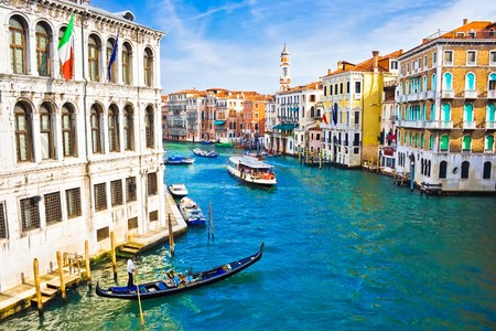 Photo pour Beautiful water street - Grand Canal in Venice, Italy - image libre de droit