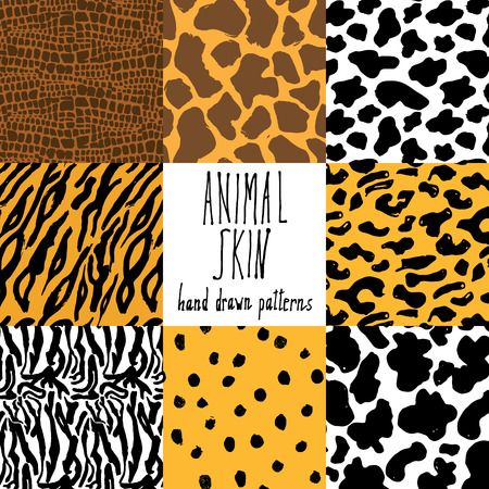 Illustration pour Animal skin hand drawn texture, Vector seamless pattern set, sketch drawing cheetah, cow, clocodile, tiger zeebra and giraffe skin textures. - image libre de droit