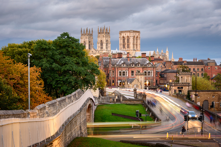Foto de A view of York Minster from the city wall, England, UK - Imagen libre de derechos