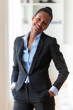 Foto de Portrait of a young African American business woman - Black people - Imagen libre de derechos