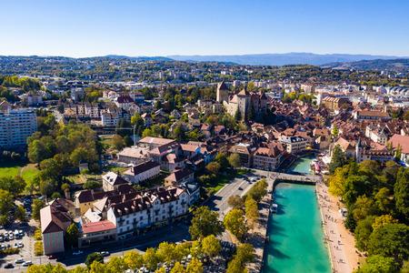 Foto de Aerial view of Annecy lake waterfront in France - Imagen libre de derechos