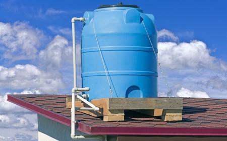 Photo pour Blue plastic water and liquids barrel storage industrial container - image libre de droit