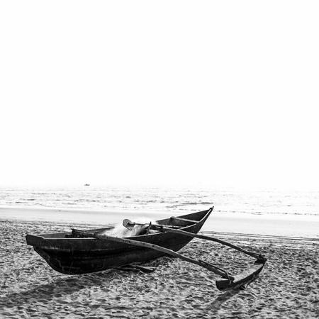 Photo pour Boat in black and white edition - image libre de droit