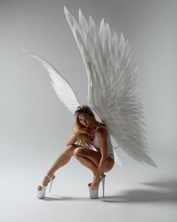 Foto de Angel woman posing - Imagen libre de derechos