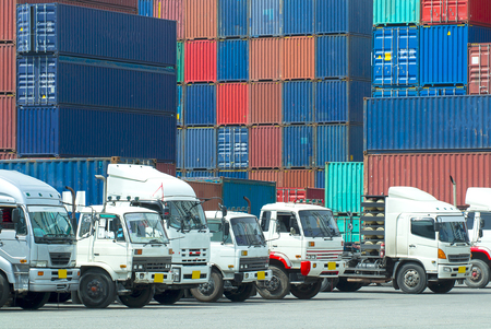 Foto per Container truck in Container yard - Immagine Royalty Free