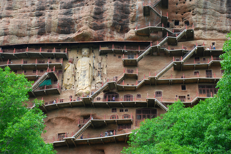 Foto de The Maijishan Grottoes along the cliff - Imagen libre de derechos