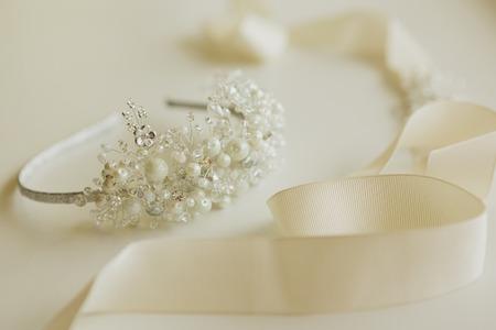 Photo pour The composition of beautiful wedding accessories bride - image libre de droit
