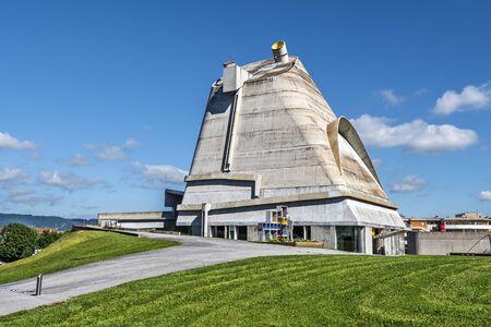 Photo pour Firminy, France- July 29, 2019 Saint Peter's Church is the largest Le Corbusier site in Europe. Saint Stephen metropolis. - image libre de droit