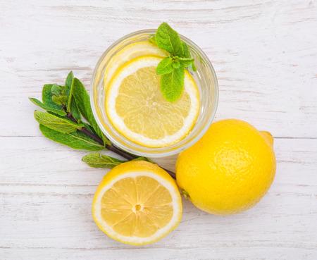 Foto de lemon drink - Imagen libre de derechos