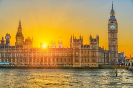 Photo pour Houses of parliament at sunset, London, UK - image libre de droit