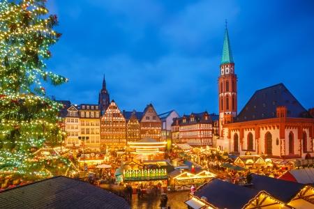 Foto de Traditional christmas market in Frankfurt, Germany - Imagen libre de derechos