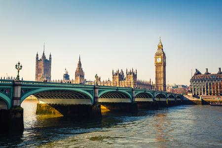 Photo pour Big Ben and Houses of parliament, London - image libre de droit