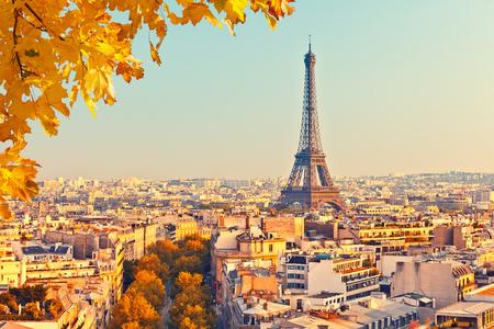 Photo pour View on Eiffel tower at sunset, Paris, France - image libre de droit