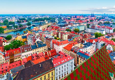 Foto de Scenic summer aerial panorama of the Old Town architecture in Wroclaw, Poland - Imagen libre de derechos