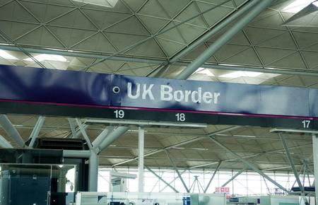 Photo pour Airport passport control - image libre de droit