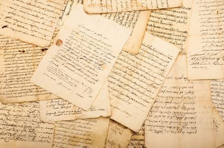 Photo pour Pile of Vintage letters  - image libre de droit