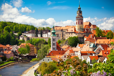 Foto de Beautiful view to church and castle in Cesky Krumlov, Czech republic - Imagen libre de derechos