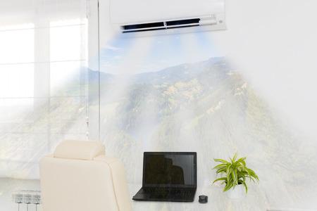 Photo pour Air conditioner blowing cold air. Home interior concepts. - image libre de droit