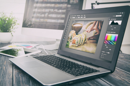 Foto de photographer camera editor monitor design laptop photo screen photography - stock image - Imagen libre de derechos