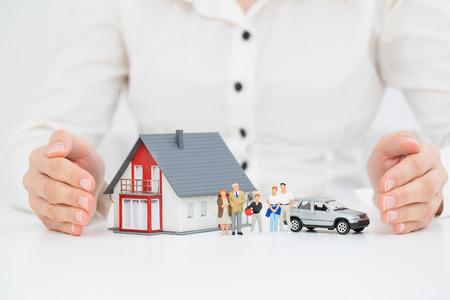 Photo pour Insurance Home House Live Car Protection Protect Concepts - image libre de droit