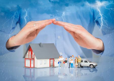 Photo pour Insurance Home House Live Car Protection Protect People Concepts - image libre de droit