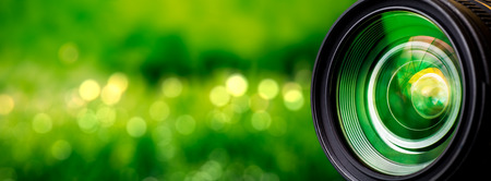 Photo pour Camera lens with lense reflections. - image libre de droit