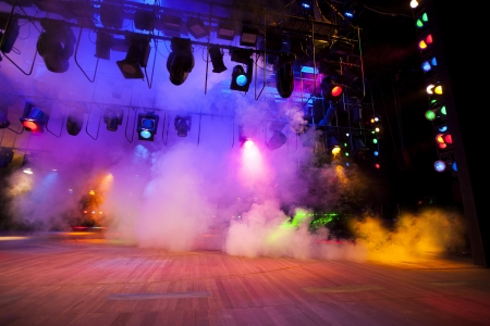 Photo pour Stage lights on a console, smoke - image libre de droit