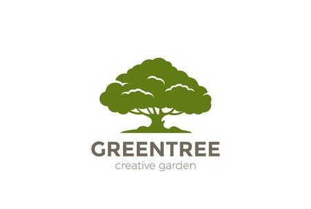 Ilustración de Green Oak Tree abstract Logo design vector template. Nature Environment Garden Logotype concept icon - Imagen libre de derechos