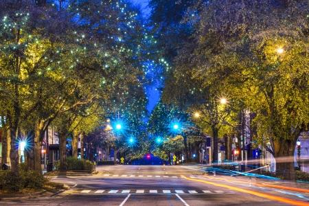 Foto de Downtown Athens, Georgia, USA night scene. - Imagen libre de derechos
