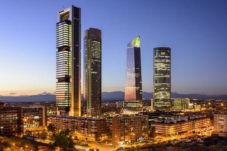 Photo pour Madrid, Spain financial district skyline at twilight. - image libre de droit
