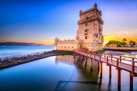 Photo pour Lisbon, Portugal at Belem Tower on the Tagus River. - image libre de droit