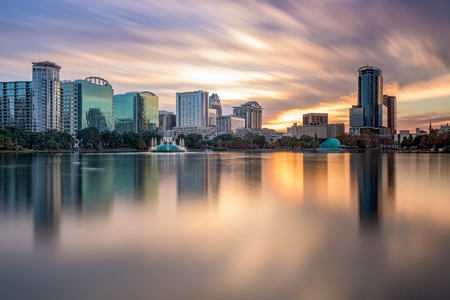 Photo pour Orlando, Florida, USA skyline at Eola Lake. - image libre de droit