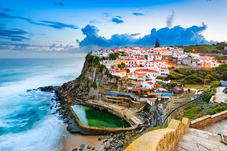 Foto de Azenhas do Mar, Portugal coastal town. - Imagen libre de derechos