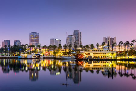 Photo pour Long Beach, California, USA skyline. - image libre de droit