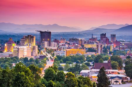 Photo pour Asheville, North Carolina, USA at twilight. - image libre de droit